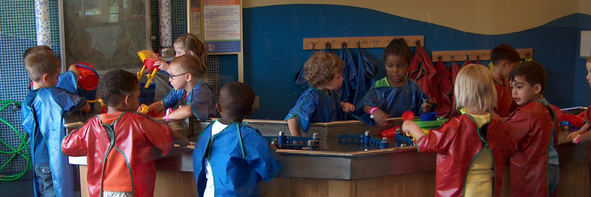 Kids at water table